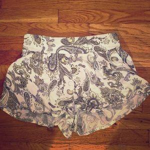 Floral print flowy shorts